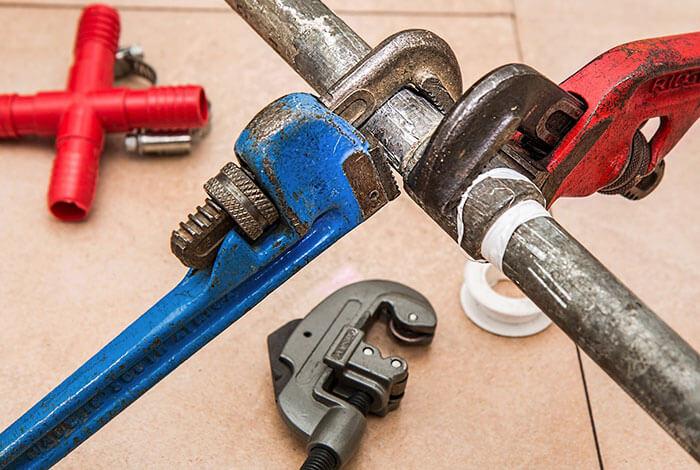 plumbing-pipe-wrench